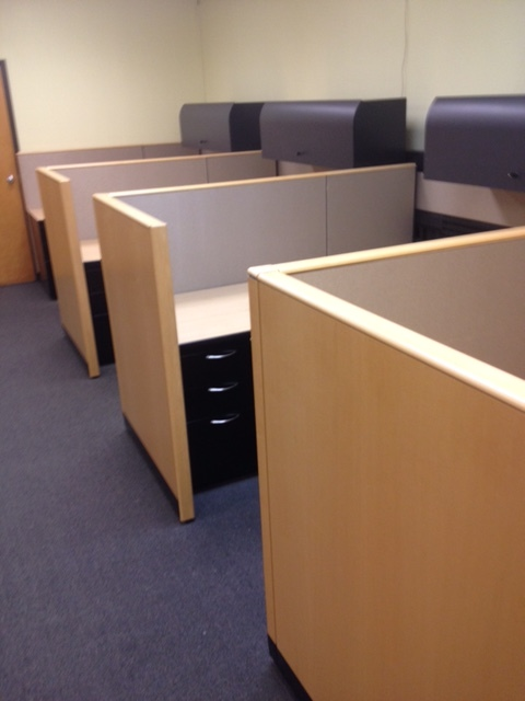 Transportation Company (4) Pre-owned 6'x6' Workstations