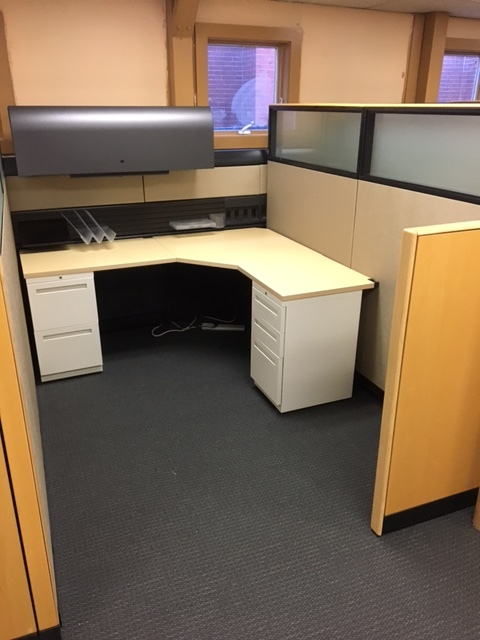 Non-profit Company (4) Pre-owned 6'x8' Workstations