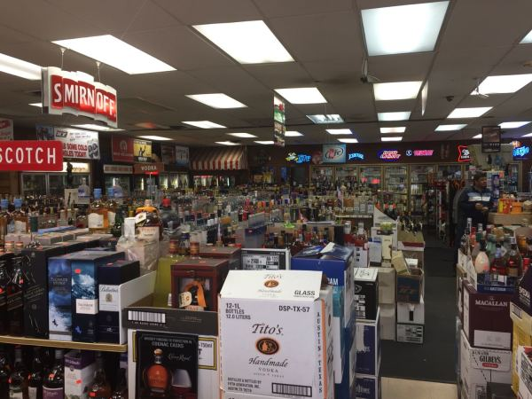 liquor Store inside2