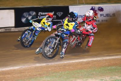 EXCITING END AFTER DISAPPOINTING START AT GILLMAN SPEEDWAY