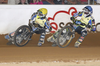 FRICKE, SEDGMEN FAVOURITES FOR SA CHAMPIONSHIP AT GILLMAN SPEEDWAY