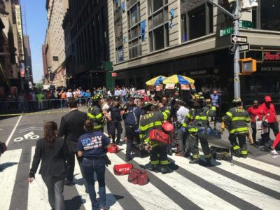 Speeding Car Hits 10 or more Pedestrians in Times Square