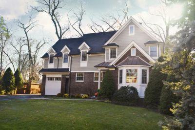 Woodlane Avenue Residence