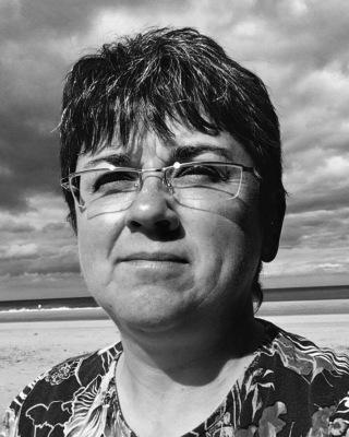 Dr Lesley Taylor