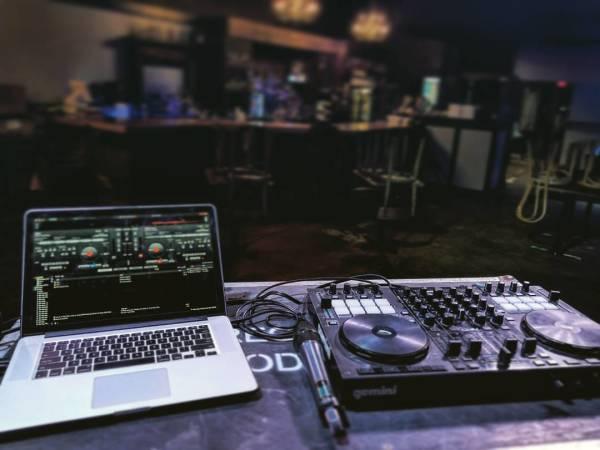 DJ- Lay-Z