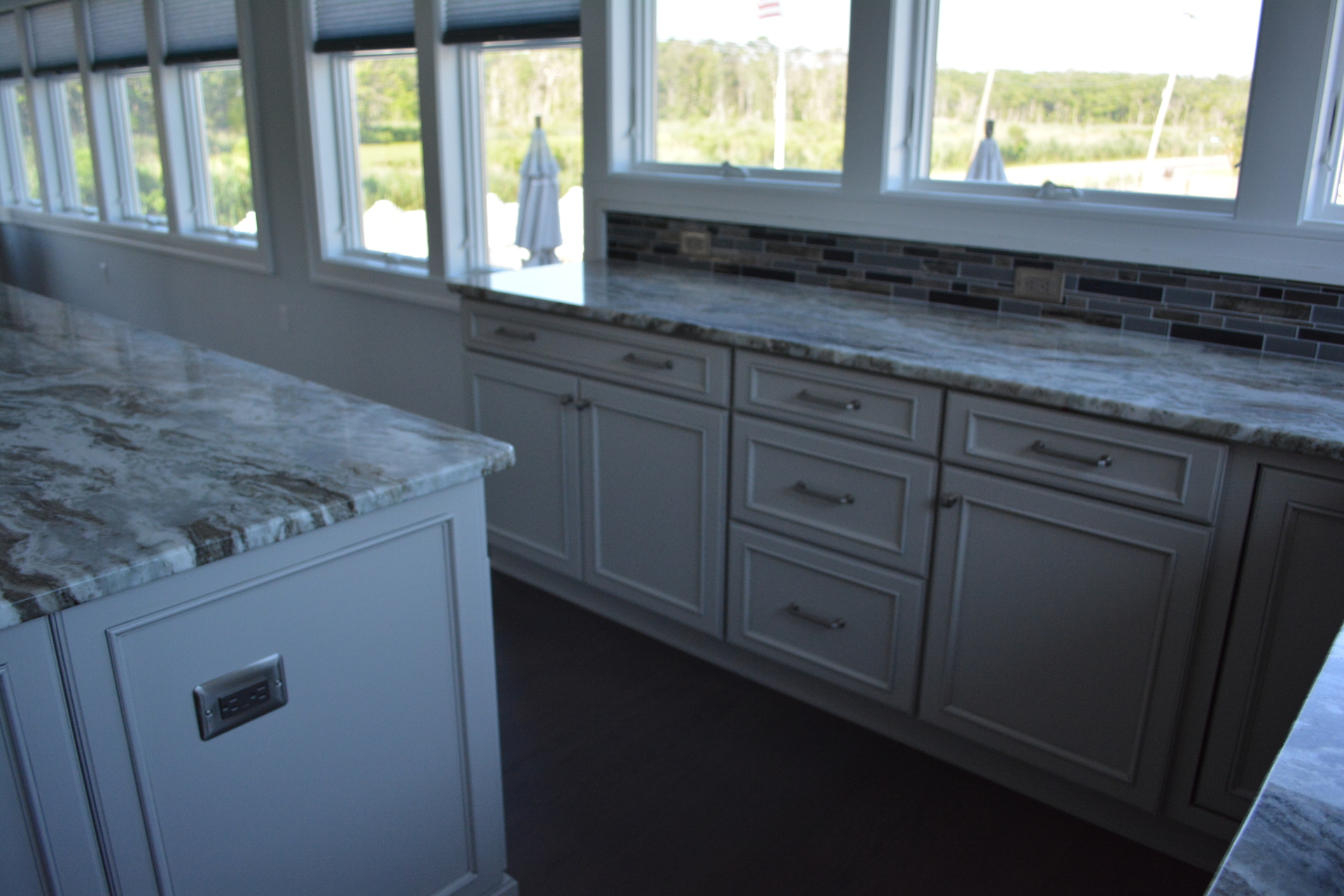 Showplace Chateau- Oyster With Pewter Glaze