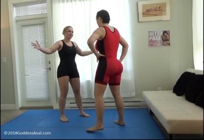 Mixed fighting, women wrestling, lift and carry, L&C, women who lift, women lifting, wvw, fvf, mvf, mvw, muscular women, strong women,
