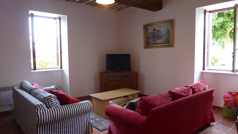 Living Room with 2 sofas UK TV Channels