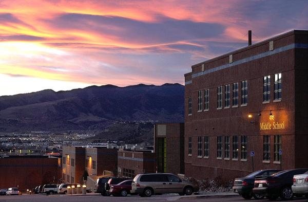 Christian dating i Colorado Springs vil Lind og holder hekte