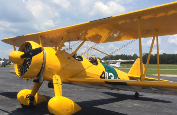 Fly in our 1945 Stearman