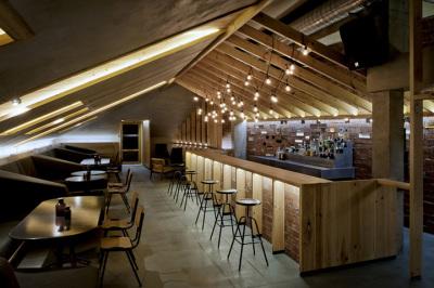 Freelance F&B restaurant cafe and bar interior designer in dubai offering commercial int3erior design service