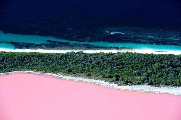 Lake Hillier - Pink Lake; Australia
