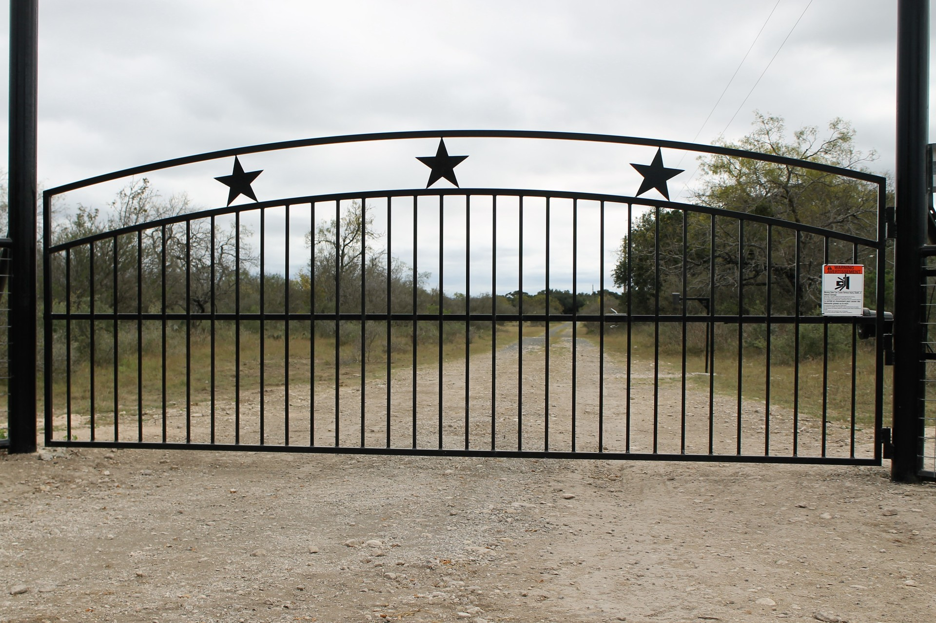 Custom gate with double arch