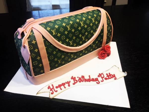 Lous Vuitton Cake
