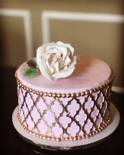 Moroccan style romantic cake