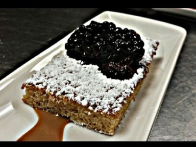 Cinnamon guava cake, dulce de leche crema, marinated blackberries