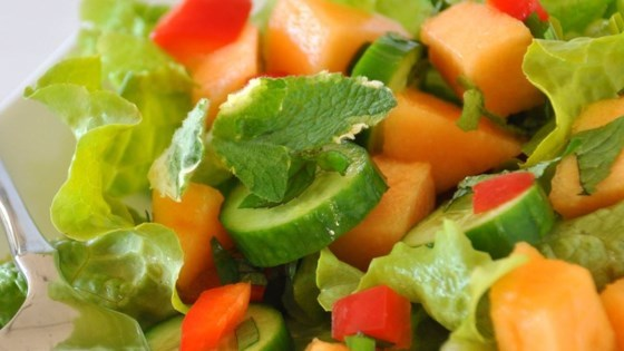 Cantaloupe and Spinach Salad