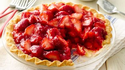 Classic Strawberry Pie