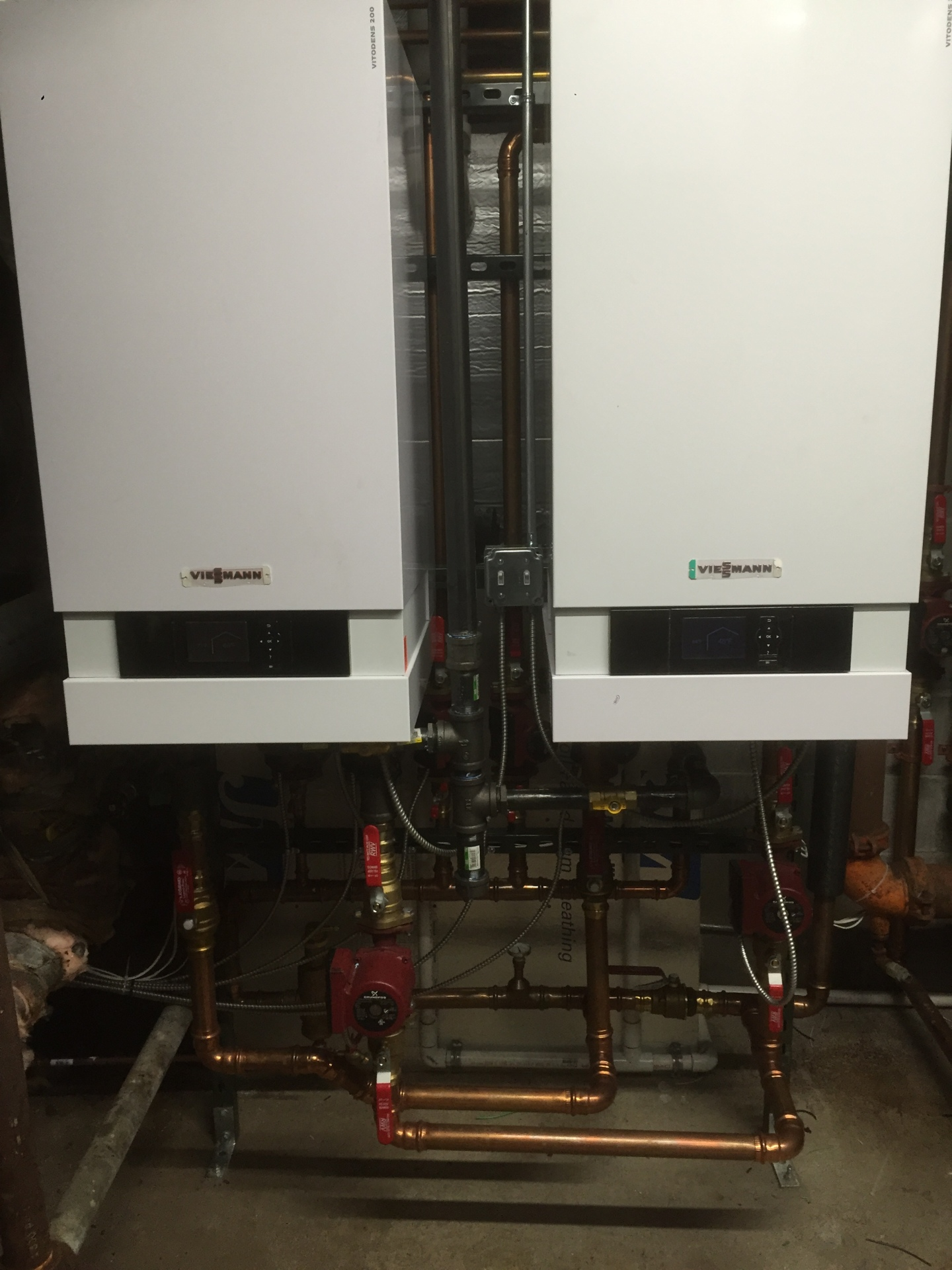 Viessmann Vitodens 200 for pool and spa heating with heat exchangers