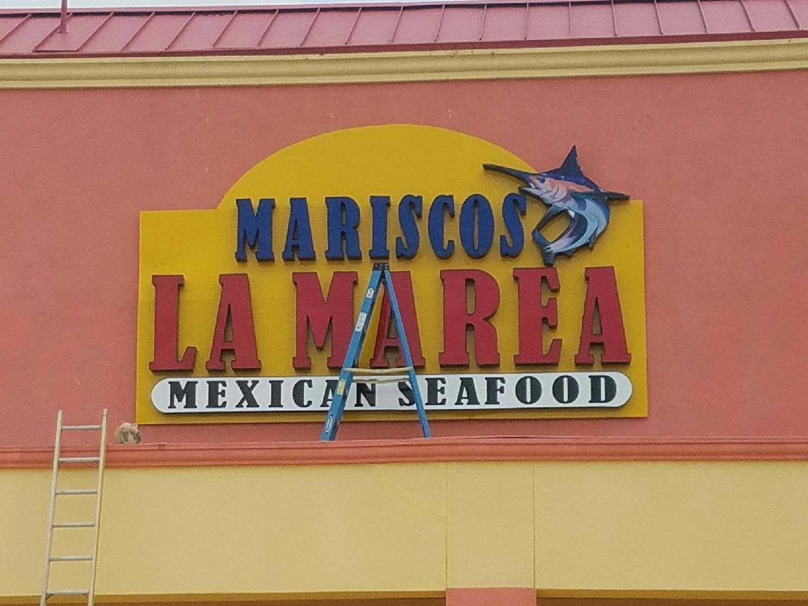 Mariscos La Marea Channel Letters