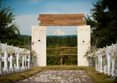 Outdoor Wedding Venue in the Foothills of Canby, OR