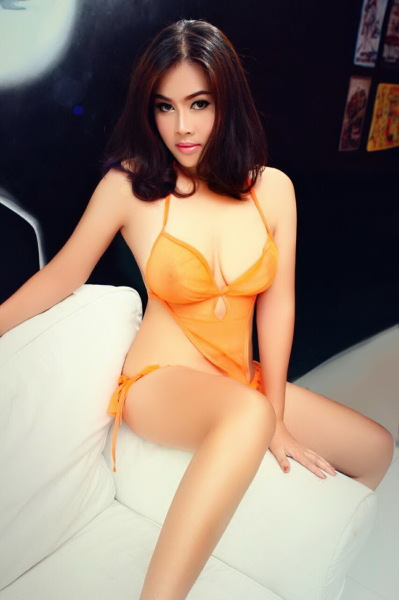 Tina is a classy escort with excellent escort service