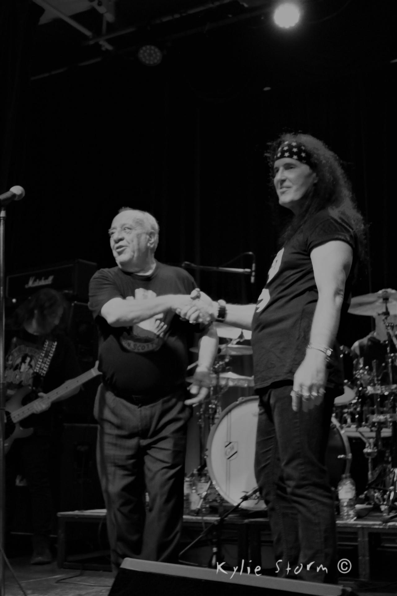 Dave Evans / Toni Currenti