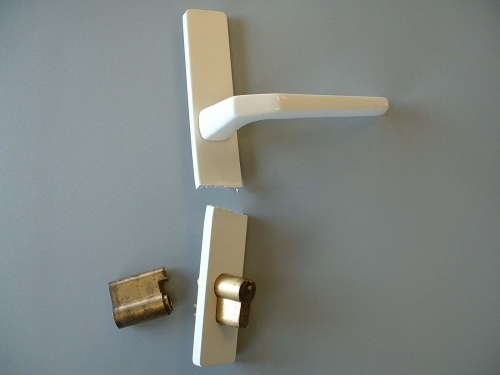 UPVC Handle and lock snapped