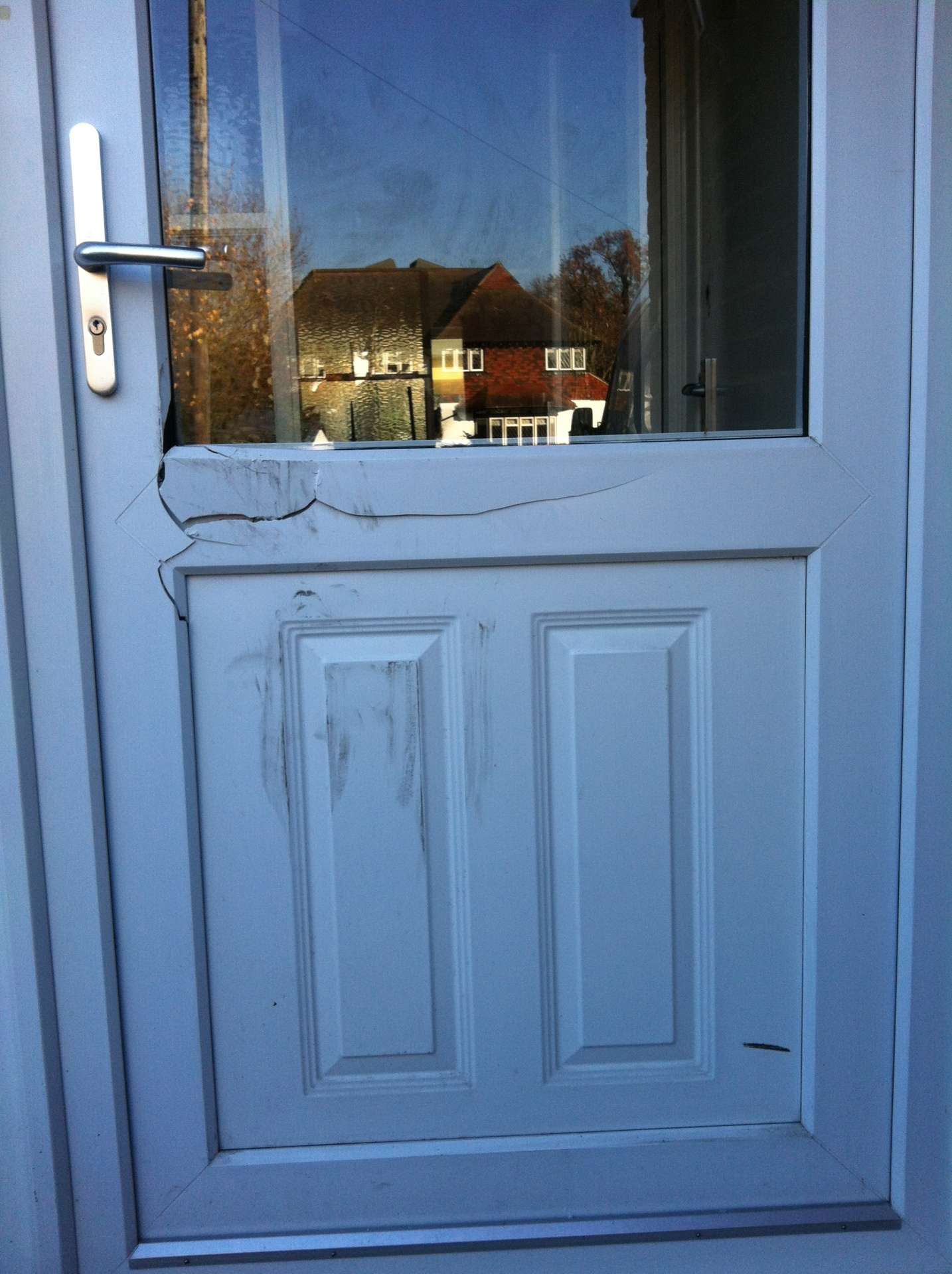 Forced entry by police 2