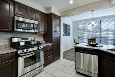 Austin condo for rent with Spacious, Gourmet Kitchens with Gas Cooking