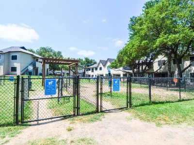 Pet friendly townhomes in Austin