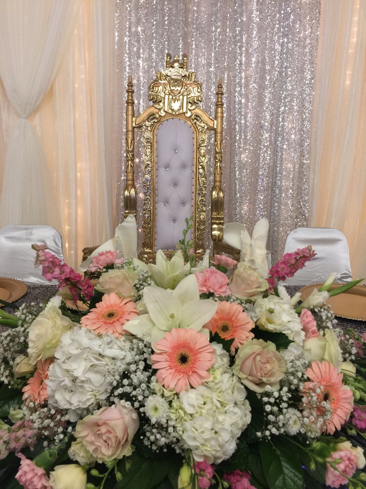 Head table & throne