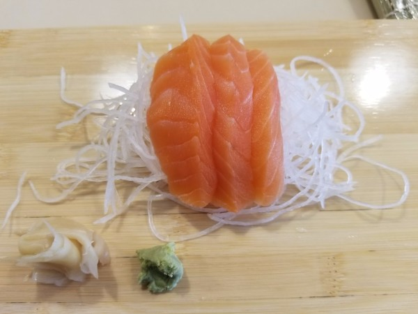 3 pcs of Salmon Sashimi