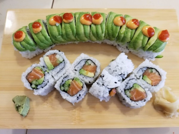 (Up) Spicy Midori Roll (Down)Salmon Ro