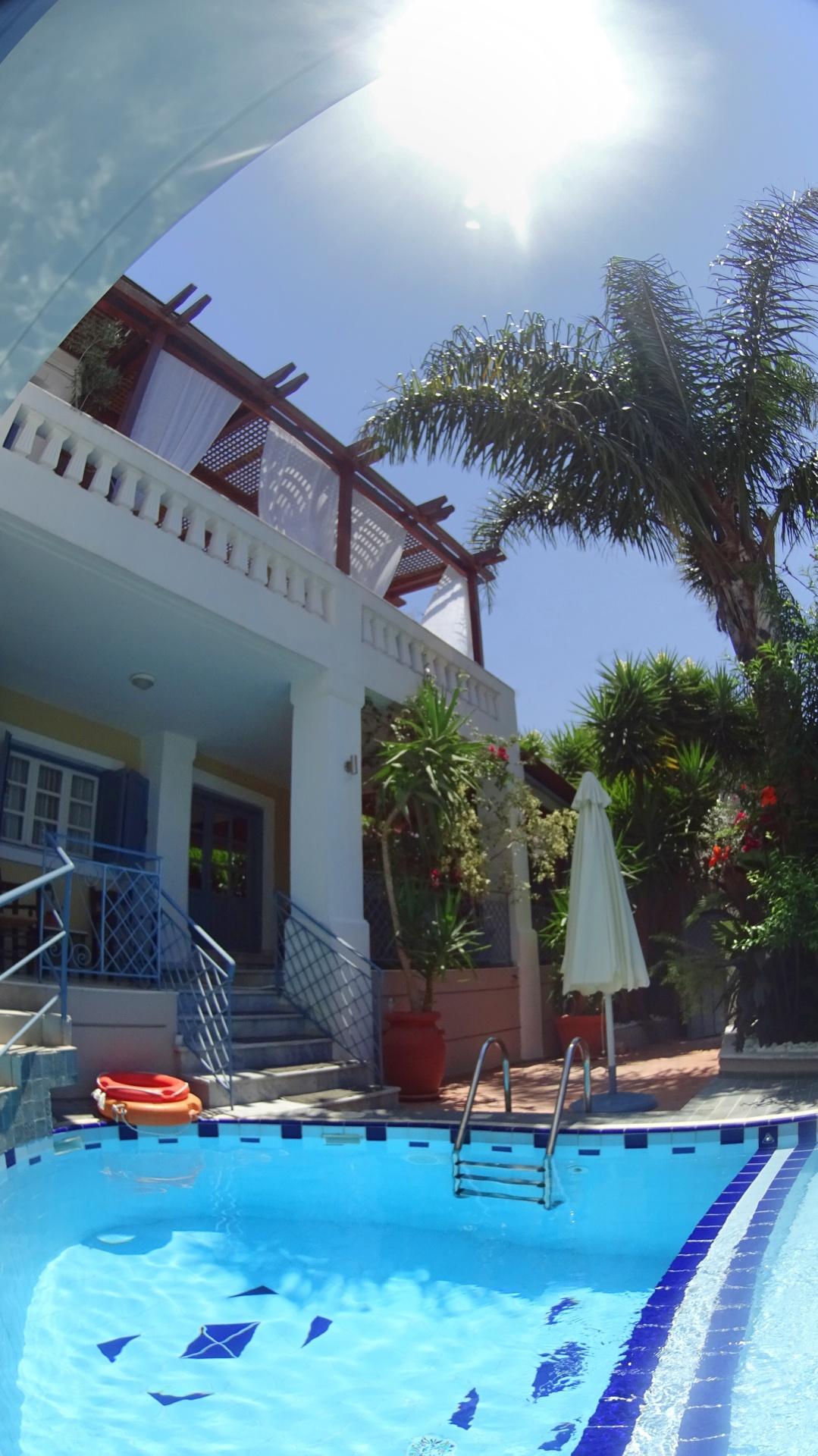 Riad style & greek island architecture