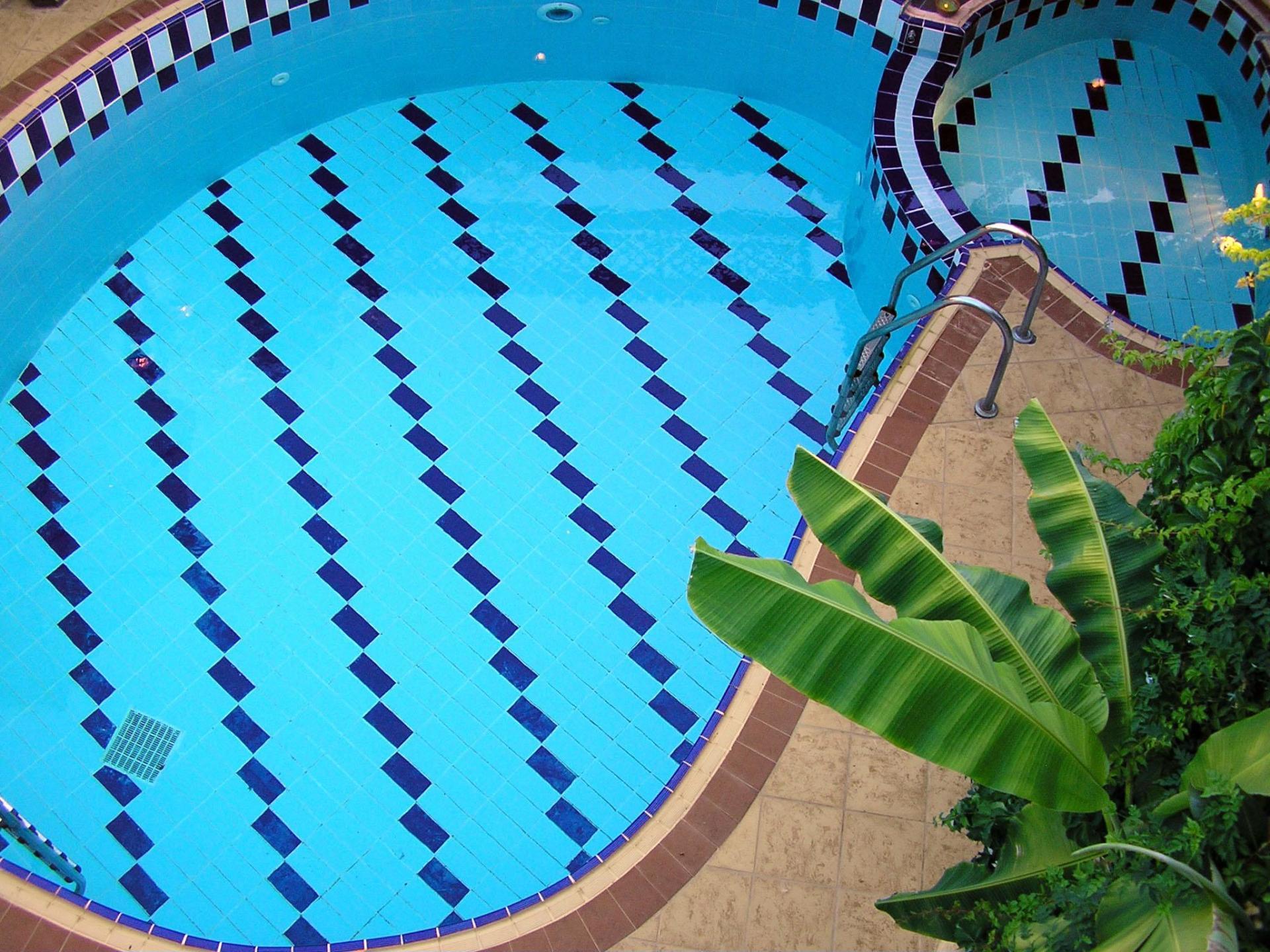 34m2 pool+ kids pool