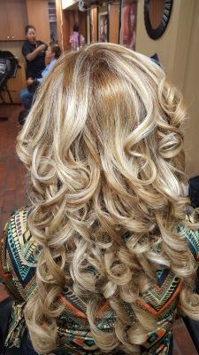Peinado con extensiones\Updo with extensions By Doris Beauty Salon