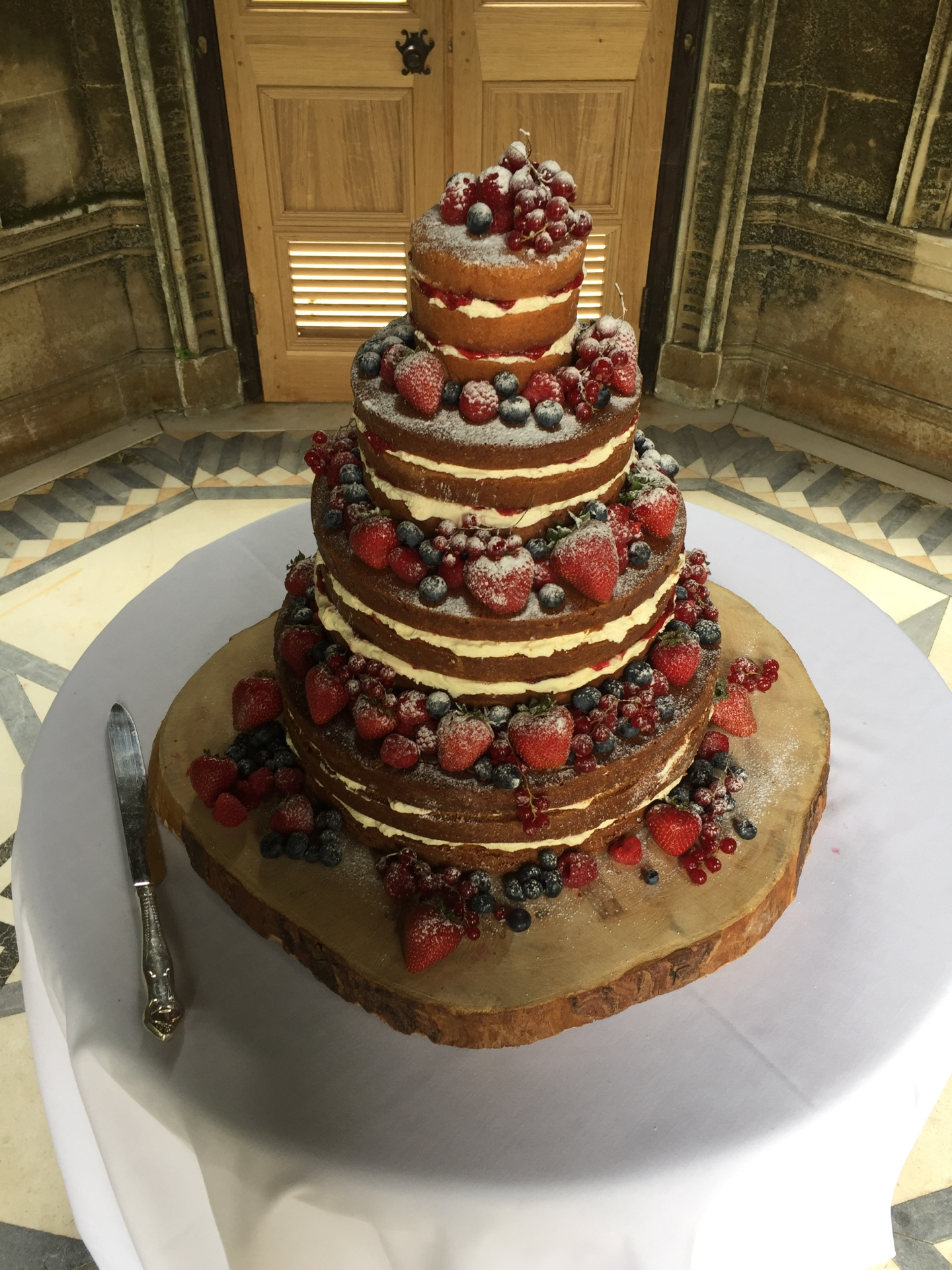 naked Wedding cake dorset, wiltshier