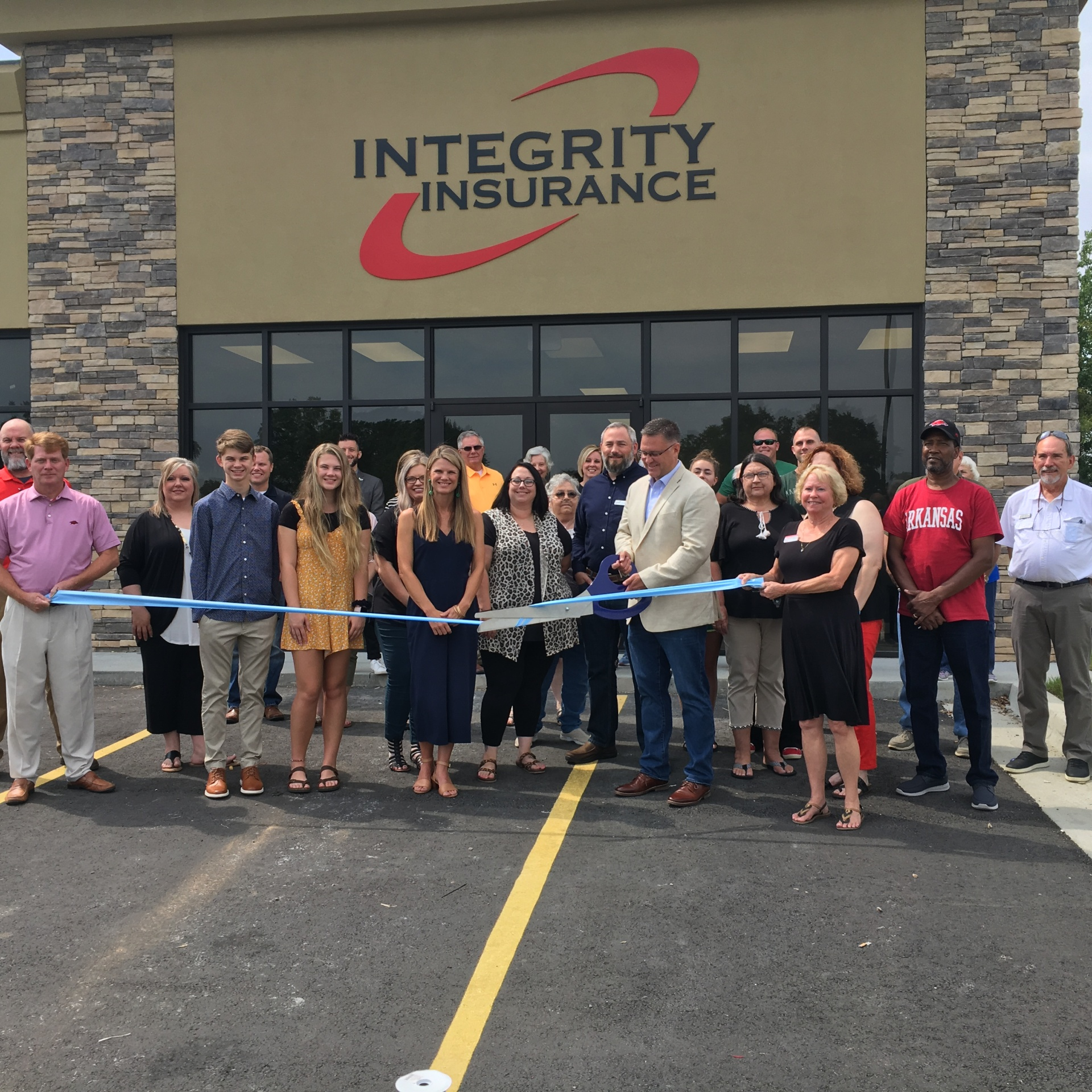Integrity Insurance holds ribbon cutting at new location