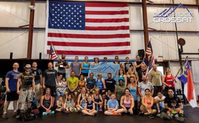 group picture of blue ridge crossfit members