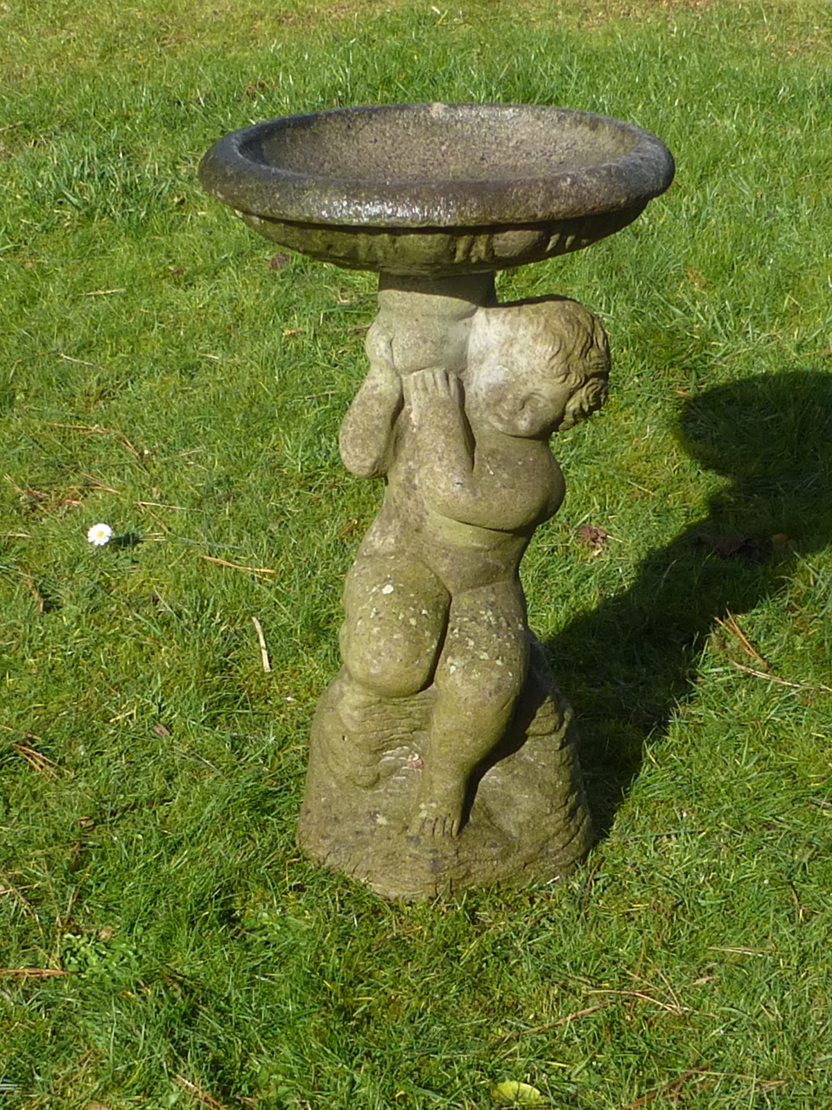 Redruth Cornwall Garden Statue Garden Ornament cast stone cherub bird bath used pre-owned secondhand
