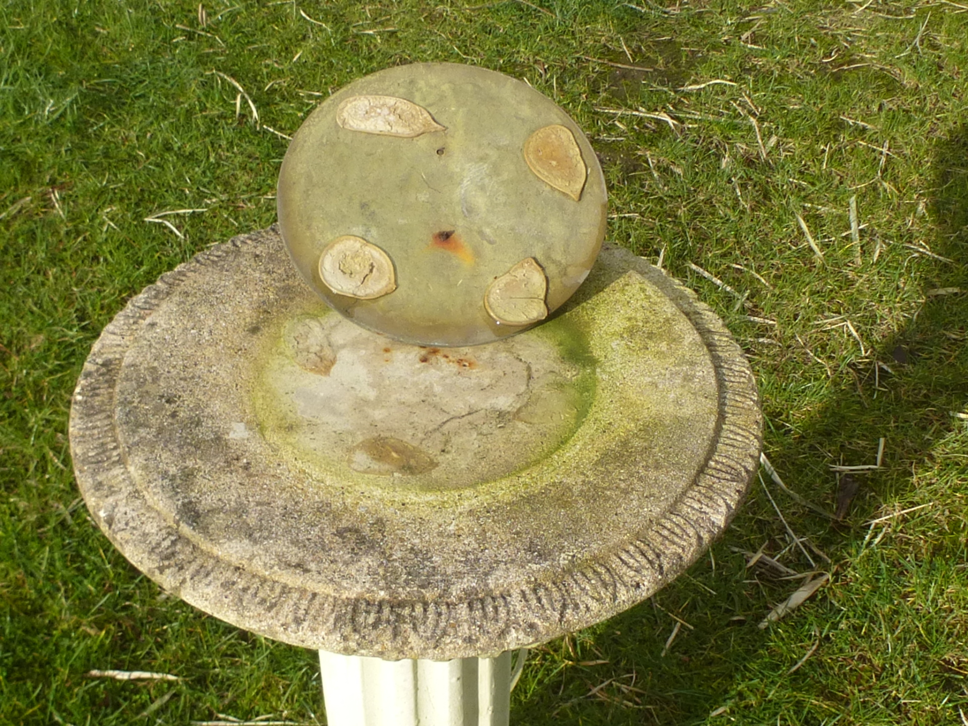 Redruth Cornwall Vintage Cast Stone sundial Garden ornament garden statue used secondhand pre owned