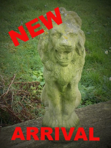 garden statue garden lion garden pot urn planter pedestal used secondhand pre-owned Redruth Cornwall lichen lawn