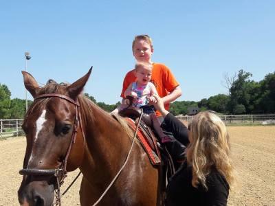 cow pony, Quarter horse, riding, trail riding, lessons, rescue, pony rides, horse boarding, Bonham TX, equine facility