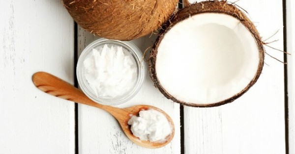 3 Benefits of Coconut Oil Pulling