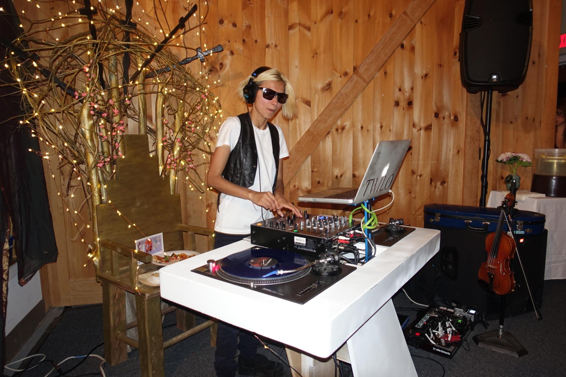 DJ Twilo feat. Ladi at Benefit Fundraiser