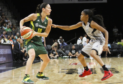 SAN ANTONIO, TX - JULY 8: Seattle Storm's Sue Bird (10) looks for an open pass in the the game against the San Antonio Stars on July 8, 2016. (Anthony Mazur/AM News Net)