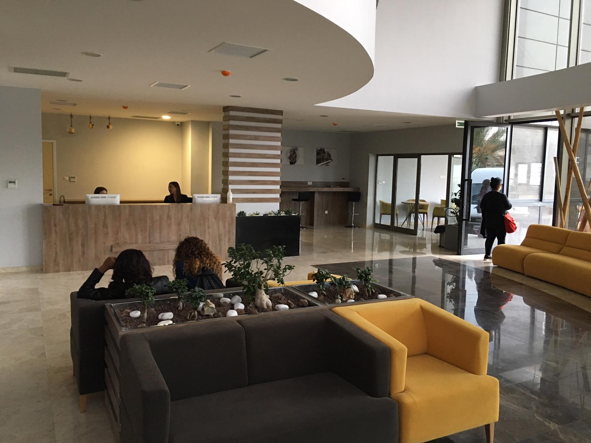 Doç. Dr. Savaş Özyiğit'in yeni hastanesi Elite Hospital, Kıbrıs Tüp Bebek Merkezi hizmete girdi