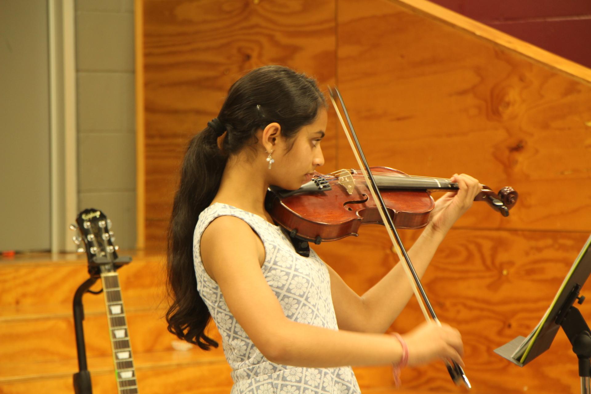 Violin performance at End of Year Ooncert 2017