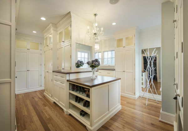 Haddonfield Traditional Closet
